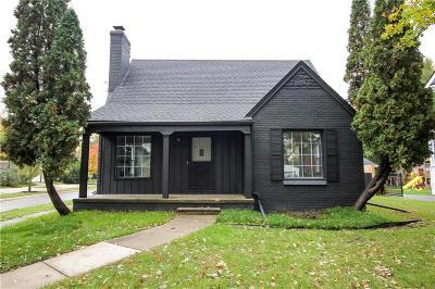 Huntington Woods Single Family Home For Sale: 10705 Kingston Ave