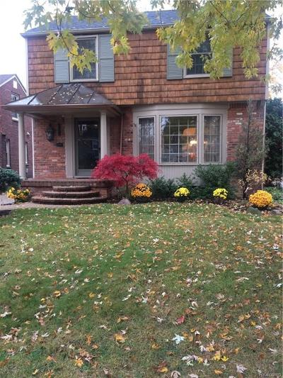 Grosse Pointe Woods Single Family Home For Sale: 1374 Hollywood Ave
