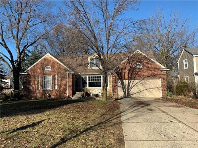 Pleasant Ridge Single Family Home For Sale: 12 Poplar Park Blvd