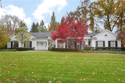 Franklin Single Family Home For Sale: 27815 Lakehills