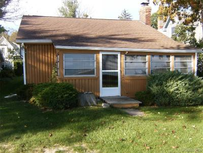 Fort Gratiot MI Single Family Home For Sale: $279,900