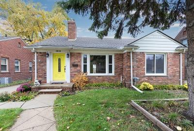 Royal Oak Single Family Home For Sale: 1916 W 12 Mile Rd