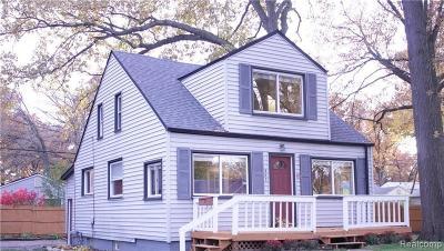 Hazel Park Single Family Home For Sale: 663 W Shevlin Ave