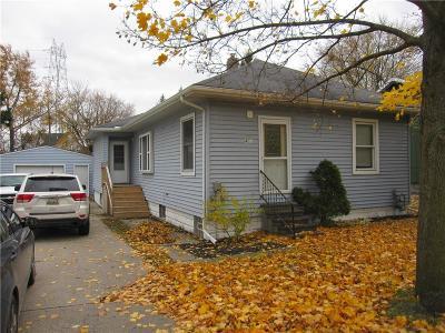 Marysville  Single Family Home For Sale: 403 Gratiot