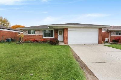Clinton Township Single Family Home For Sale: 35419 Garret Dr