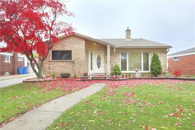 Dearborn Heights Single Family Home For Sale: 6751 N Charlesworth St