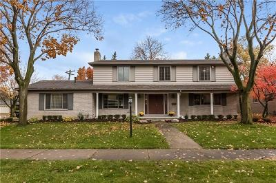 Grosse Pointe Woods Single Family Home For Sale: 1108 Blairmoor Crt