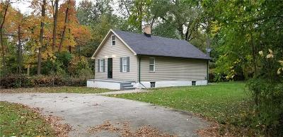 Southfield Single Family Home For Sale: 18470 Cornell Rd