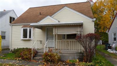 Hazel Park Single Family Home For Sale: 23377 Cayuga Ave