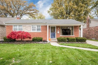 Saint Clair Shores Single Family Home For Sale: 21601 Lakeland St