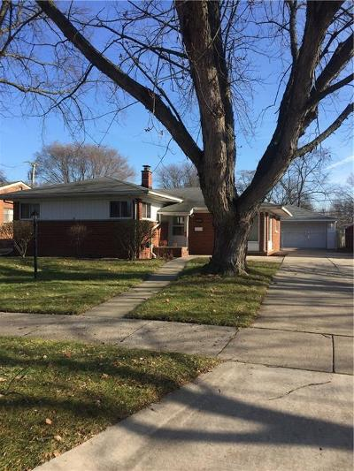 Livonia Single Family Home For Sale: 14248 Lyons St