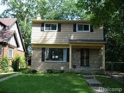 Detroit Single Family Home For Sale: 20170 Briarcliff Rd