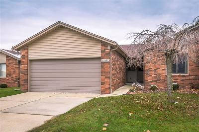 Macomb Condo/Townhouse For Sale: 32497 Stoneybrook Ln