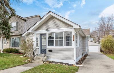 Clawson Single Family Home For Sale: 142 Massoit St