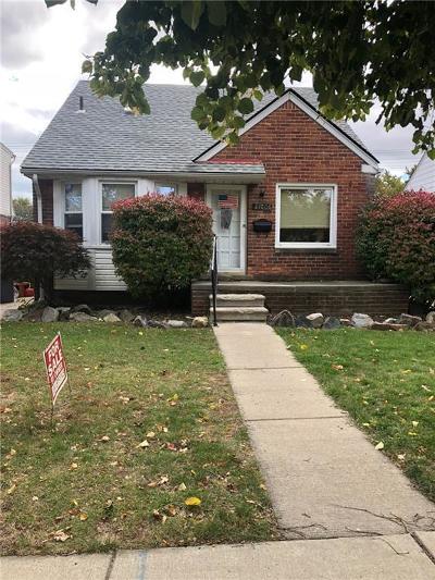 Saint Clair Shores Single Family Home For Sale: 21006 Sunnydale St