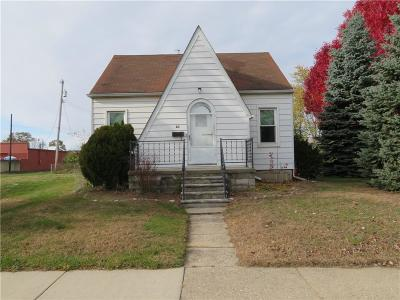 Clawson Single Family Home For Sale: 35 High St