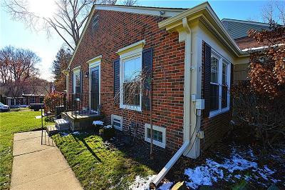Rochester Hills Condo/Townhouse For Sale: 1155 Pine Ridge Crt