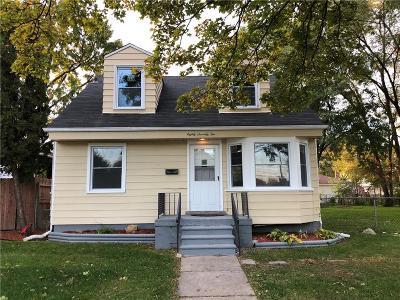 Center Line Single Family Home For Sale: 8072 Helen