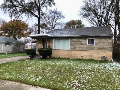 Oak Park Single Family Home For Sale: 14440 W Nine Mile