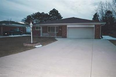 Sterling Heights Single Family Home For Sale: 37051 Almont Dr E