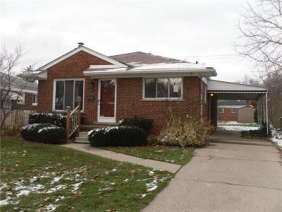 Saint Clair Shores Single Family Home For Sale: 23119 Beverly St