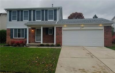 Canton Single Family Home For Sale: 44164 Candlewood Dr