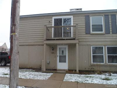 Lake Orion Condo/Townhouse For Sale: 2638 Wildwood Crt