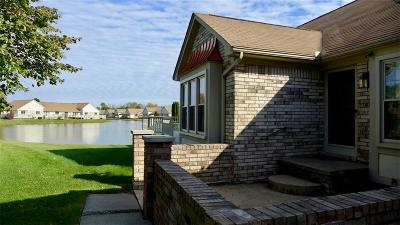 Clinton Township Condo/Townhouse For Sale: 20899 Riverbend Dr S