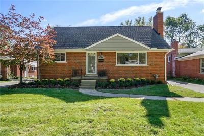 Royal Oak Single Family Home For Sale: 4407 Auburn Dr