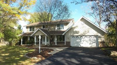 West Bloomfield Single Family Home For Sale: 5860 Glen Eagles Dr