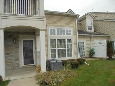 Macomb Condo/Townhouse For Sale: 25791 Maritime Cir S
