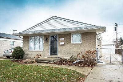 Saint Clair Shores Single Family Home For Sale: 23424 Grove St