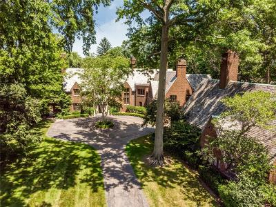 Grosse Pointe Farms Single Family Home For Sale: 330 Provencal Rd