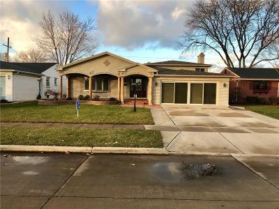 Dearborn Heights Single Family Home For Sale: 27326 Wilson Dr