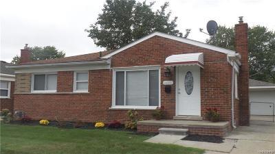 Saint Clair Shores Single Family Home For Sale: 24901 Harmon St