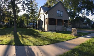 Lapeer Single Family Home For Sale: 517 N Main St