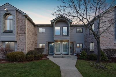 Canton Condo/Townhouse For Sale: 42683 Lilley Pointe Dr