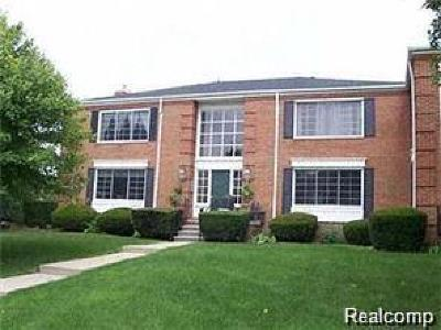 Bloomfield Hills Condo/Townhouse For Sale: 780 E Fox Hills