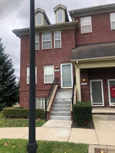 Southfield Condo/Townhouse For Sale: 15605 Stone Crossing Dr