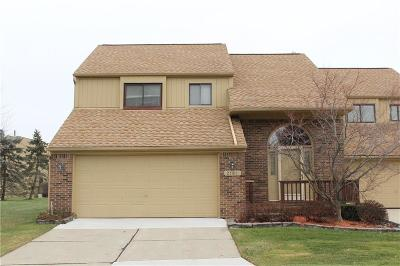 Rochester Hills Condo/Townhouse For Sale: 2181 Siboney Crt