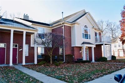 Rochester Condo/Townhouse For Sale: 1718 Deepwood Cir