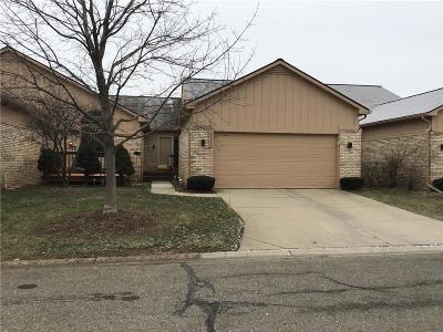 Farmington Hills Condo/Townhouse For Sale: 35285 Lone Pine Ln