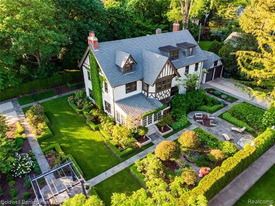 Grosse Pointe Park Single Family Home For Sale: 1022 Bishop Rd