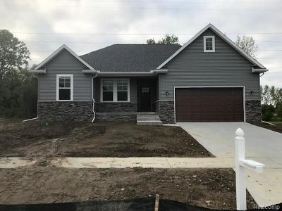 Lapeer Single Family Home For Sale: 7804 Yorkshire Dr