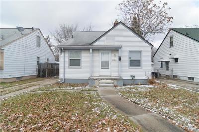 Oak Park Single Family Home For Sale: 8730 Leroy St