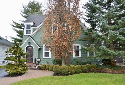 Oakland Single Family Home For Sale: 460 Bonnie Brier St
