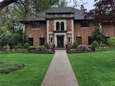 Detroit Single Family Home For Sale: 19201 Strathcona Dr