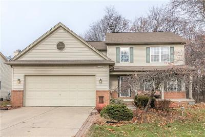 Lake Orion Single Family Home For Sale: 2216 Forest Hills Dr N