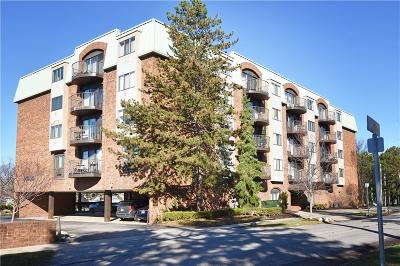 Birmingham Condo/Townhouse For Sale: 35300 Woodward Ave