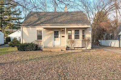 Clawson Single Family Home For Sale: 1055 E 14 Mile Rd